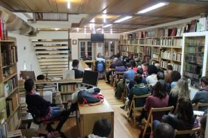 Presentación de A lúa da colleita na libraría Couceiro de Santiago de Compostela. 12 de marzo de 2014. Foto Helena Torres